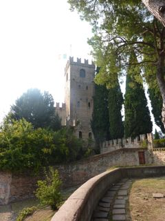 cycle europe italy castle at conegliano
