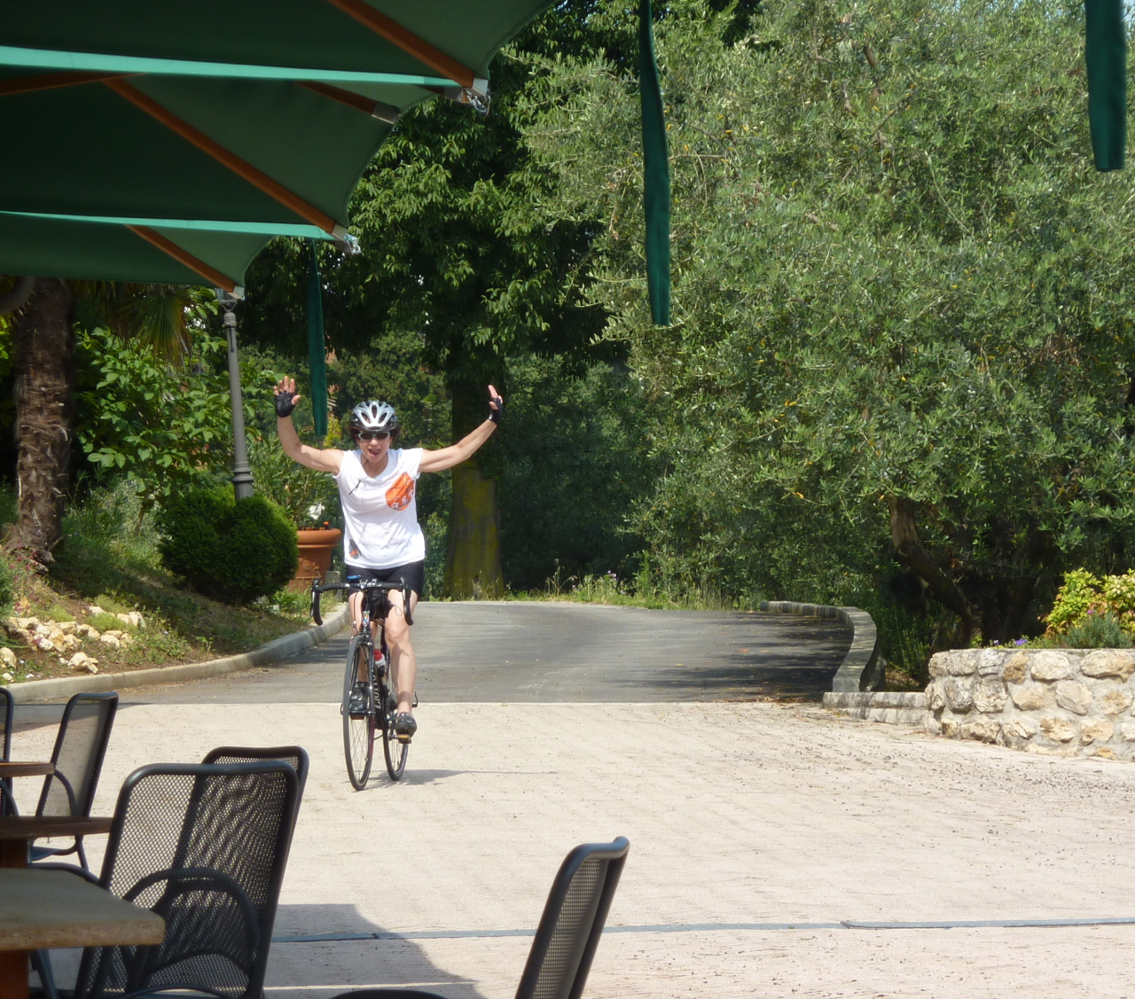successful hill climb cycling holidays tuscany