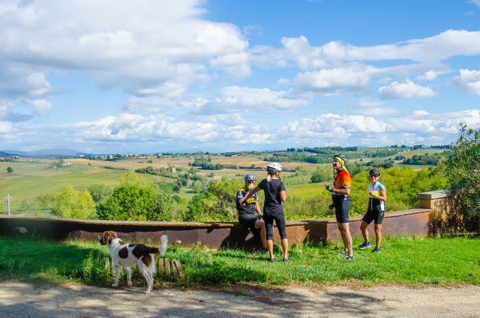 cyclists-wine-tuscany-our-difference