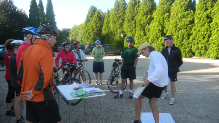 review routes cycling tour