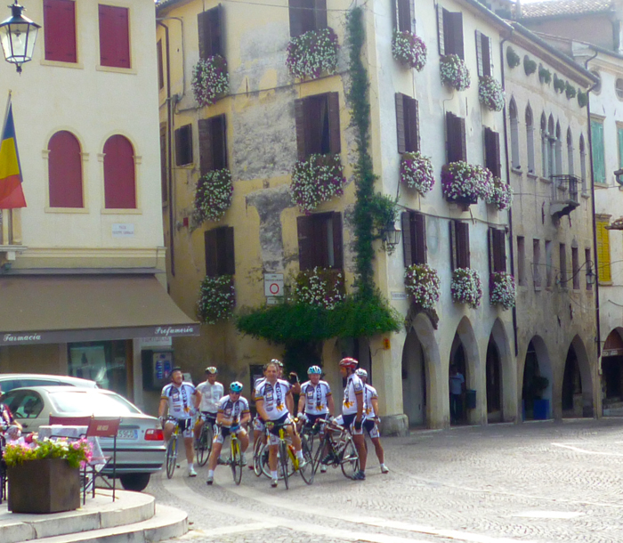 local cyclists asolo italy