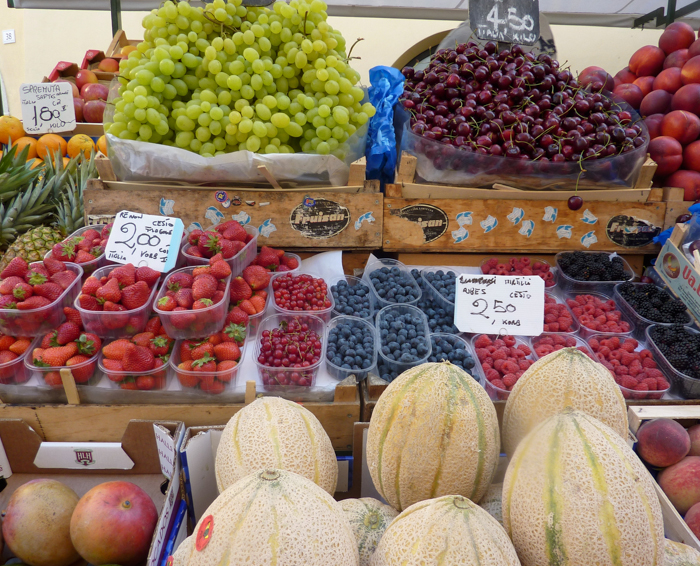 market bolzano piazza del erbe