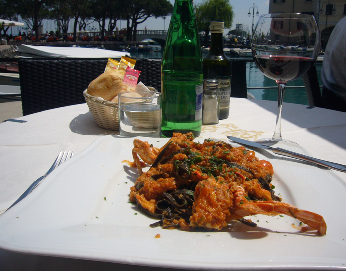 dining lake garda italy tours