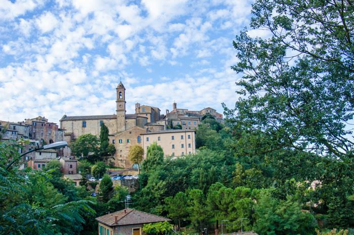montepulciano cycling tour tuscany