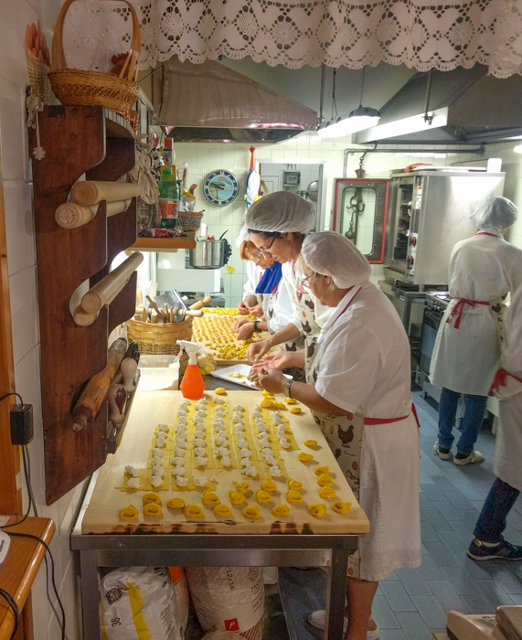pasta-making-italy-walking-tours