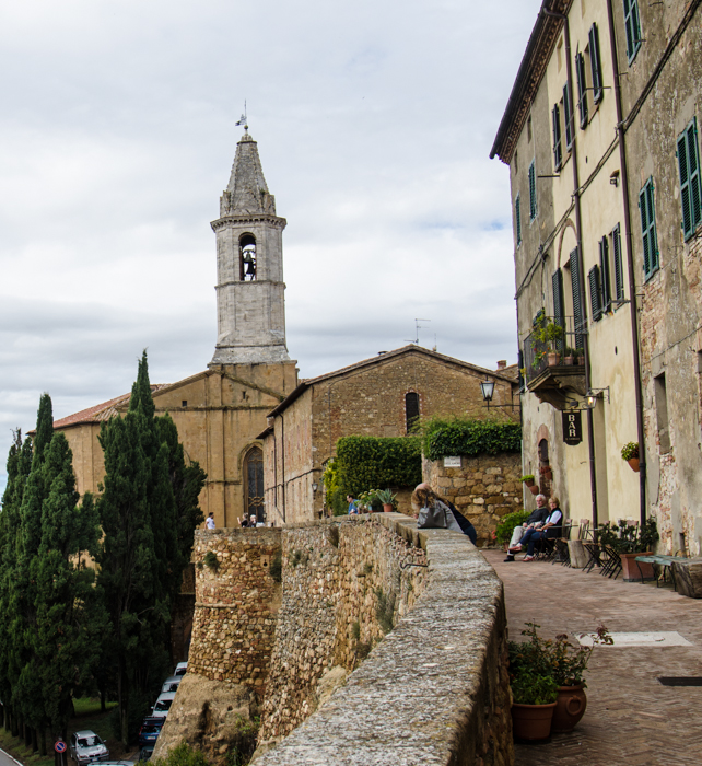 walking tours tuscany